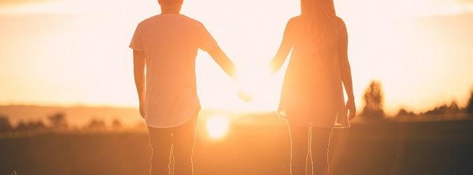 hålla hand